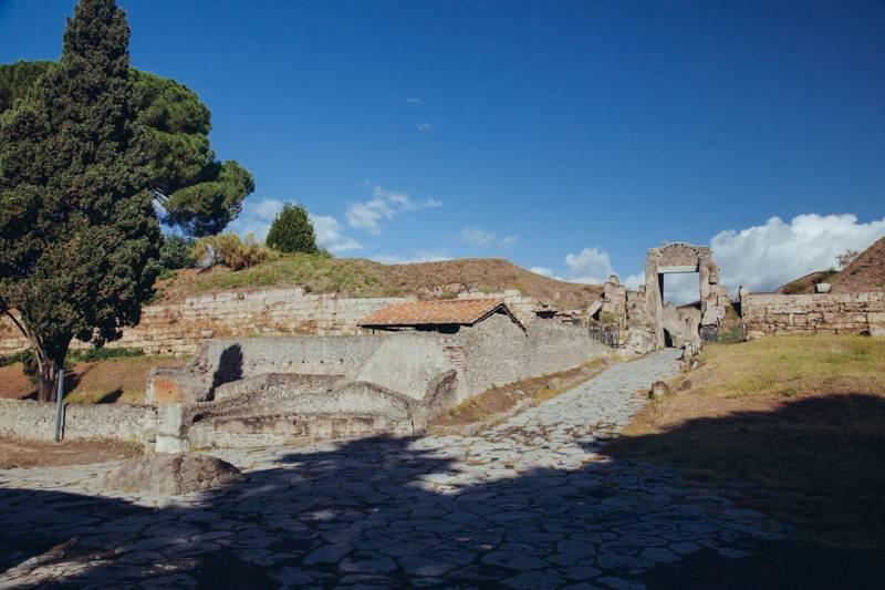 Radiating_Chaos_Pompeii_012