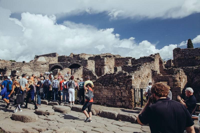 Radiating_Chaos_Pompeii_029