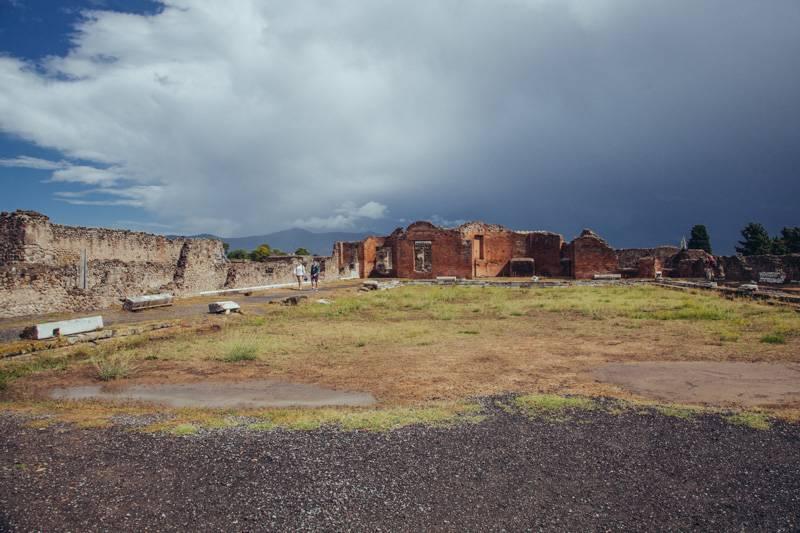Radiating_Chaos_Pompeii_055