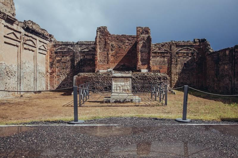 Radiating_Chaos_Pompeii_056