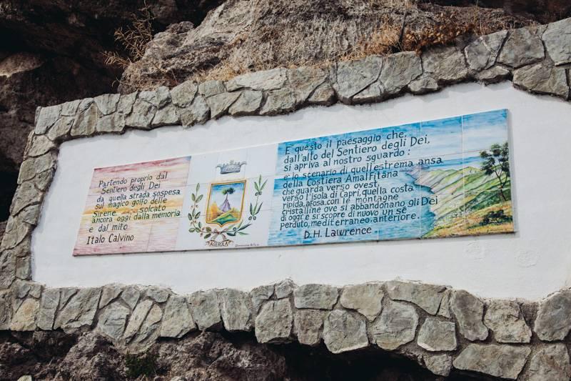 Sentiero degli Dei, painted wall signs