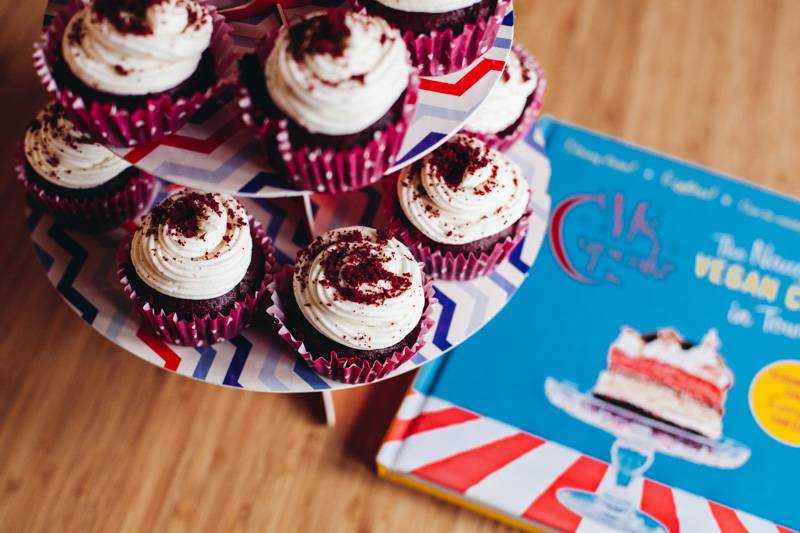Radiating_Chaos_Red_Velvet_Cupcakes_006