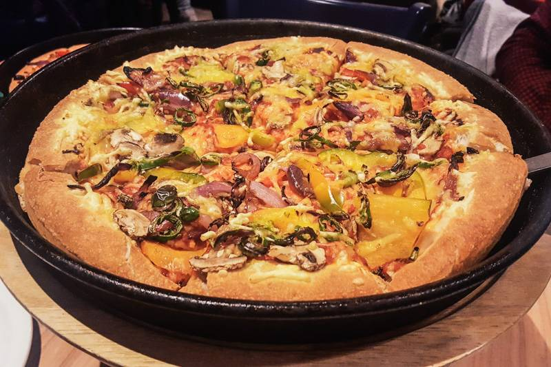Vegan pizza at Pizza Hut
