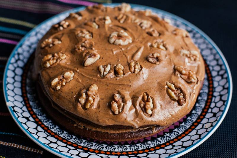 Vegan walnut cake