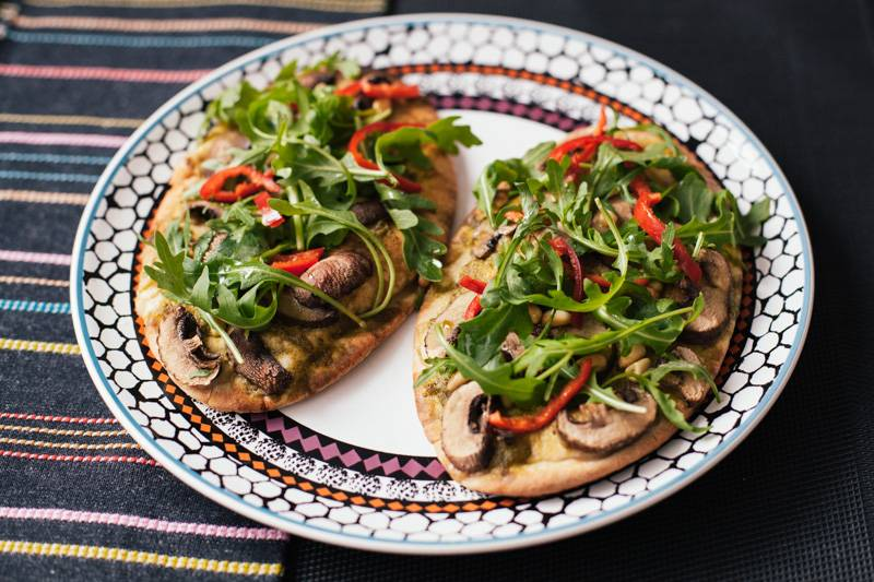 Vegan pitta pizzas